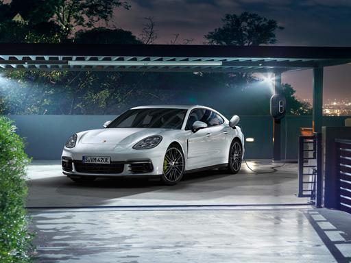 Unser exklusives Leasingangebot für Sie: Der Porsche Panamera 4 E-Hybrid.
